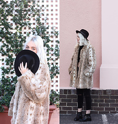 Tara-Lee McNulty - My Scattered Heart Faux Fur Coat, Topshop Boots, Topshop Hat, Zara Jeans, Forever 21 Rings - Pink Paradise