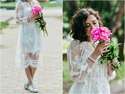 Katerina Lozovaya - Romwe Dress - White lace dress