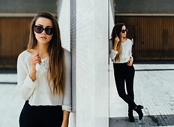 Jessica Sheppard - Moschino Sunglasses, Missguided Tassle Jumper, Jack Wills High Waist Super Skinny Jeans, Pretty Little Thing Studded Ankle Boots - A BRITISH SUMMER.
