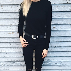 Alexa Jade Warren - Oak And Fort Top, B Low The Belt, Topshop Jeans - Old painted wall