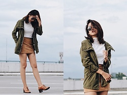 Joana zandra Carrasco -  - Green jacket