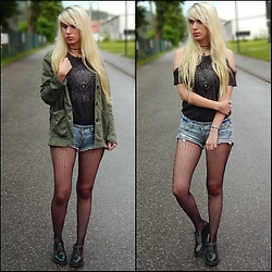 Lea Brande - Primark Shirt, New Yorker Shorts, Deichmann Shoes, H&M Jacket - The grunge