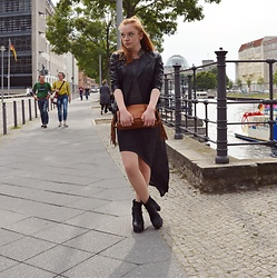 Jana J. - Boots, Comma Leather Jacket, Alcott L.A. Dress, Liebeskind Berlin Fringed Bag - Berlin Summer