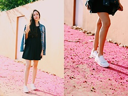 Camilla Brozzo - Renner Jacket, New Dress, Yoins Sneakers - Pink carpet