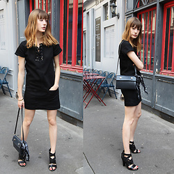 Marie Gm instagram @intoyourcloset -  - LITTLE BLACK DRESS