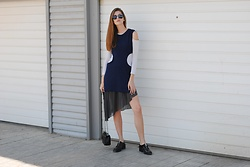 Yulia Sidorenko - Oasap Top, Wool&Cotton Top, Zara Skirt, Dressgal Sunglasses, Wholesalebuying Bag, Zara Boots - Minimal