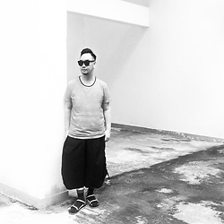 Mannix Lo - Cotton On Stripe Tee, Maple Wide Pants, Online Shop Outdoor Style Sandals - The World will become Color