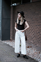 Daniella Robins - Dr Denim Jeans - Cropped Flared Jeans With Dr Denim