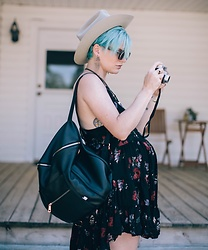 Olivia Hargrove - Free People Floral Dresses, Fawn Design Black, Arctic Fox Hair Color, Stetson Hat - Capturing The Moments