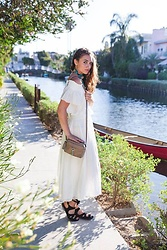 Larissa (Larz) May - Free People Off The Shoulder, Free People Skirt, Rebecca Minkoff Crossbody - CALIFORNIA FULL CIRCLE