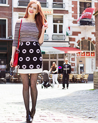 Sonja Vogel - Boohoo Black And White Skirt, Sacha Shoes Black Patent Chelsea Boots, Thrifted Red Bag - In The Hague