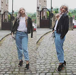 Joey Taylor - H&M Leather Jacket, And Other Stories White Vest, Topshop Boyfriend Jeans, Christian Wijnants Sandals - TOPSHOP BOYFRIEND JEANS