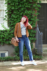 Paige Joanna Calvert - Dorothy Perkins Top, Dorothy Perkins Embroidered Jeans - Casual Saturday in London