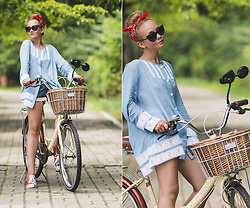 Olga Choi - Zaful Lace Blouse, Converse Sneakers - Bikelook