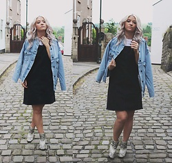 Joey Taylor - Urban Outfitters Denim Pinafore, Zara Ankle Boots, & Other Stories Vest Top - DENIM PINAFORE