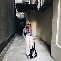 Farah Adriana - The Editor's Market Wide Legged Pants, Sarah Thursday Neko Tote Bag, Vans Floral - Casual Fridays