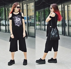 Ola Brzeska - Tally Weijl Cold Shoulder Top, Bershka Culottes, Demonia Creepers, New Look Fringe Bag - Gothic culottes