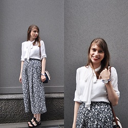 Ana B - Gu Wide Floral Pants, Gu Black Sandals, Daniel Wellington Watch - Omotesando