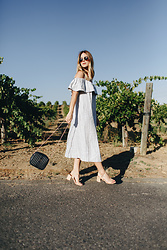 Michelle Madsen - Ganni Reiko Linen Dress, Zara Platform Sandals, Vanessa Seward Béa Bag, Garrett Leight Wilson Sunglasses - Oversized Dress with Heels