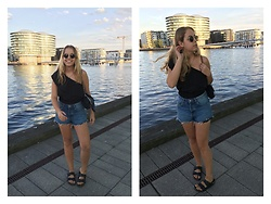 Kaja . - Ray Ban Sunnies, Asos Playsuit, Zara Shorts, Birkenstock Shoes - COPENHAGEN AT GOLDEN HOUR
