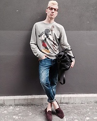 Maxim Borisov - Topman Sweatshirt, Guess Jeans, Massimo Dutti Loafers, Sisley Leather Handbag - Outside the cinema