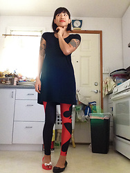 SYNONYME 黃 - Mossimo Tee Dress, Romwe Harley Leggings, Melissa Red Bow Flats, Melissa Black Heart Flats - I TRY TO BE GOOD...