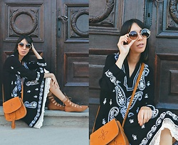 Katy Mage - Emblem Eyewear Sunglasses, Zaful Boho Paisley Dress, Ami Clubwear Lace Up Flats, Dresslink Bag - BOHO PAISLEY DRESS