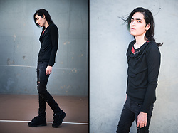 Kyris Kat - Mossimo Cowl Longsleeve, Dvs Black Shoes, H&M Distressed Jeans - Ask for Answers