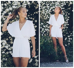 Petra Karlsson - Gina Tricot Playsuit - Flower power