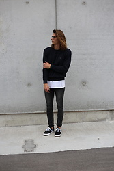 Richy Koll - Tommy Hilfiger Sweatshirt, Zara Long Tee, Cheap Monday Jeans, Nike Sneakers - NERD