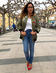 Alicia Fernandez -  - Look con Bomber parches Zara. (Total look zara)
