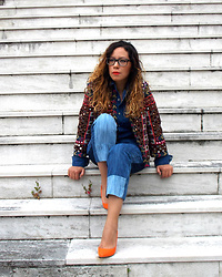 Alicia Fernandez -  - Look Denim con un toque de color. Chaqueta abalorios Zara