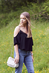 Lauren Wilson - Asos Cold Shoulder Top, Cos Bag, Topshop Jeans - COLD SHOULDER
