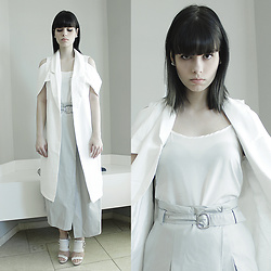 Lidia Zuin - Shein White Long Vest, Shein Light Grey Skirt, Datelli White Sandals - Chloroform