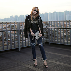 Rekay Style - Rayban Icons Snglass, Blk Dnm Suede Rider Jacket, Gucci Dionysus Bag, Guess Slim Crop Straight Jeans - The Biker