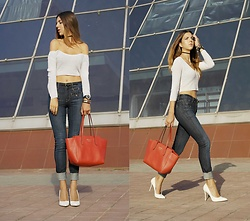 Eva Adotik - Bebe Top, 7 For All Mankind Denim, Gucci Bag, River Island Heels - Knitted
