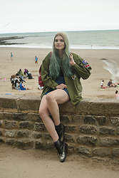 Carla V - Zara Jacket, Vintage Skirt, Other Stories Boots - Life's a beach