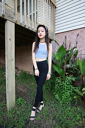 Gege Z - Forever 21 Top, Forever 21 High Waisted Pants, Chinese Laundry Sandals - Sign waves