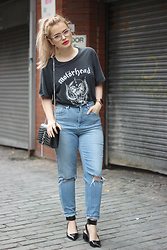 Andra Vaida - Asos Mom Jeans, Saint Laurent Monogram Bag With Tassle, Men's Motorhead T Shirt - Find me today