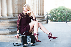 Kim Ahrens - Hallhuber Dress (Hallhuber), Peter Kaiser Bag (Peter Kaiser), Tamaris Pumps (Tamaris) - Marsala Dress