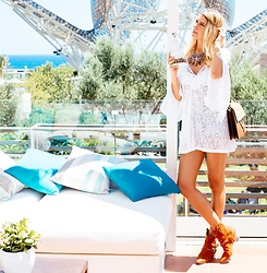Vanessa Basanta - Pilar Oporto White Crochet Dress - Keep the Summer here!