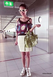 Hanna Painter - Sweetgirl Offshoulder Shirt, Made In Italy Genuine Leather Green Bag, Zara Skirt, Soufeel Charms - Airport look