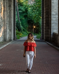 Ralizabeth Orellana - Lord And Taylor Off The Shoulder Top, Tj Maxx White Jeans, Burlington Flats - Off the shoulder