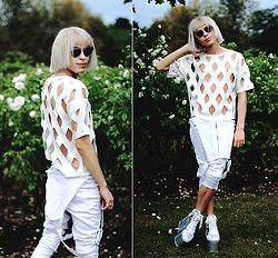 Milex X - Cutcuutur Top, Tk Maxxx Pants, Yru Platforms, Brylove Sunglasses - CUT YOU OFF