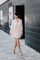 Merna Mariella - Kiss The Sky Lace Dress, Primark Sandals - Rosé lace dress