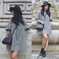 Smexy Shadow - Guess Wool Hat, Zara Bubble Sleeve Plaid Dress, Michael Kors Black Studs Shoulder Bag, Converse Black Sneakers - New York Fashion Week look 4