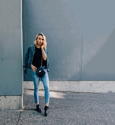 Jessica Luxe - Tommy Hilfiger Denim Jacket, Mini Bag, Gap Girlfriend Jeans, Chelsea Boots - Denim x denim
