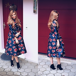 Cristina Gheiceanu - Vipme Dress, Asos Shoes - Be amazing! Dress amazing!