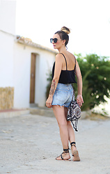 Lily Chelmey - New Look Body, Topshop Short, Sfera Bag, New Look Sandals - Body or not body ?