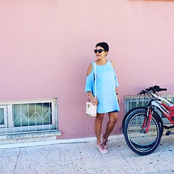 Dolap Perisi - Koton Denim Dress, Reebok Sneakers, Matmazel Store Bag, Mango Sunnies - Rebirth